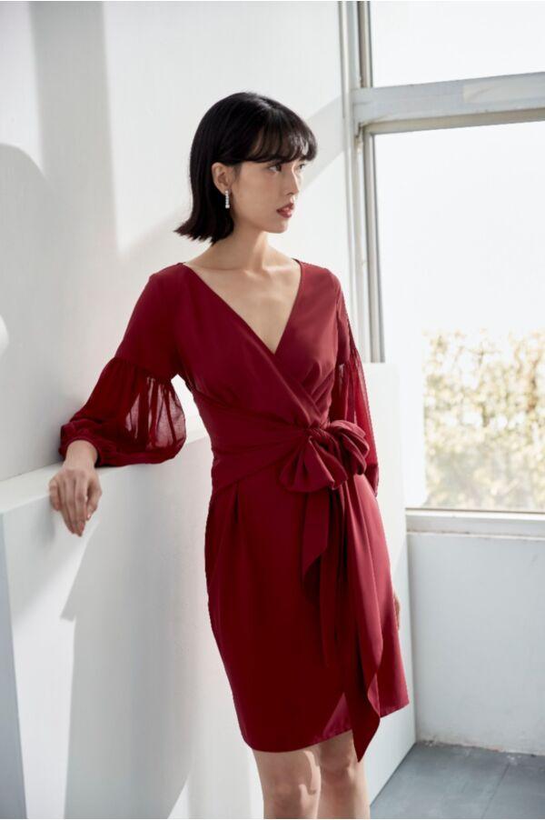 露鎖骨交疊v領洋裝