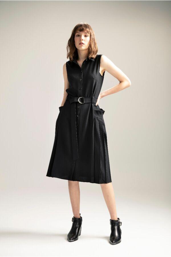 拼接壓褶設計修身洋裝