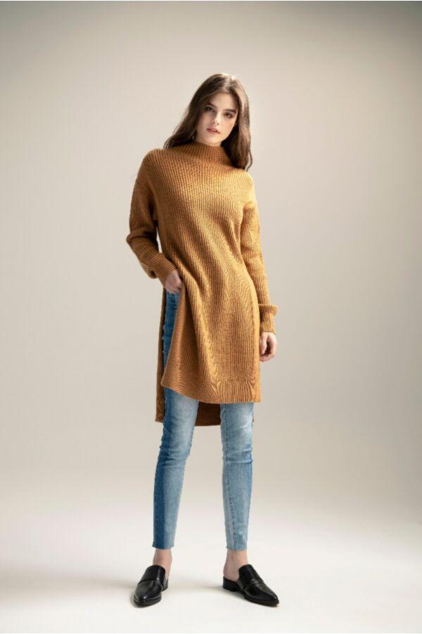 斜邊開高衩長版毛衣