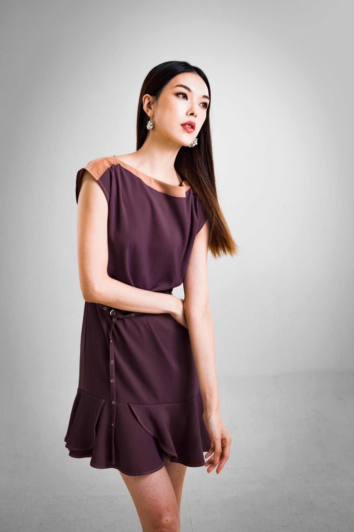 荷葉邊造型短袖短洋裝