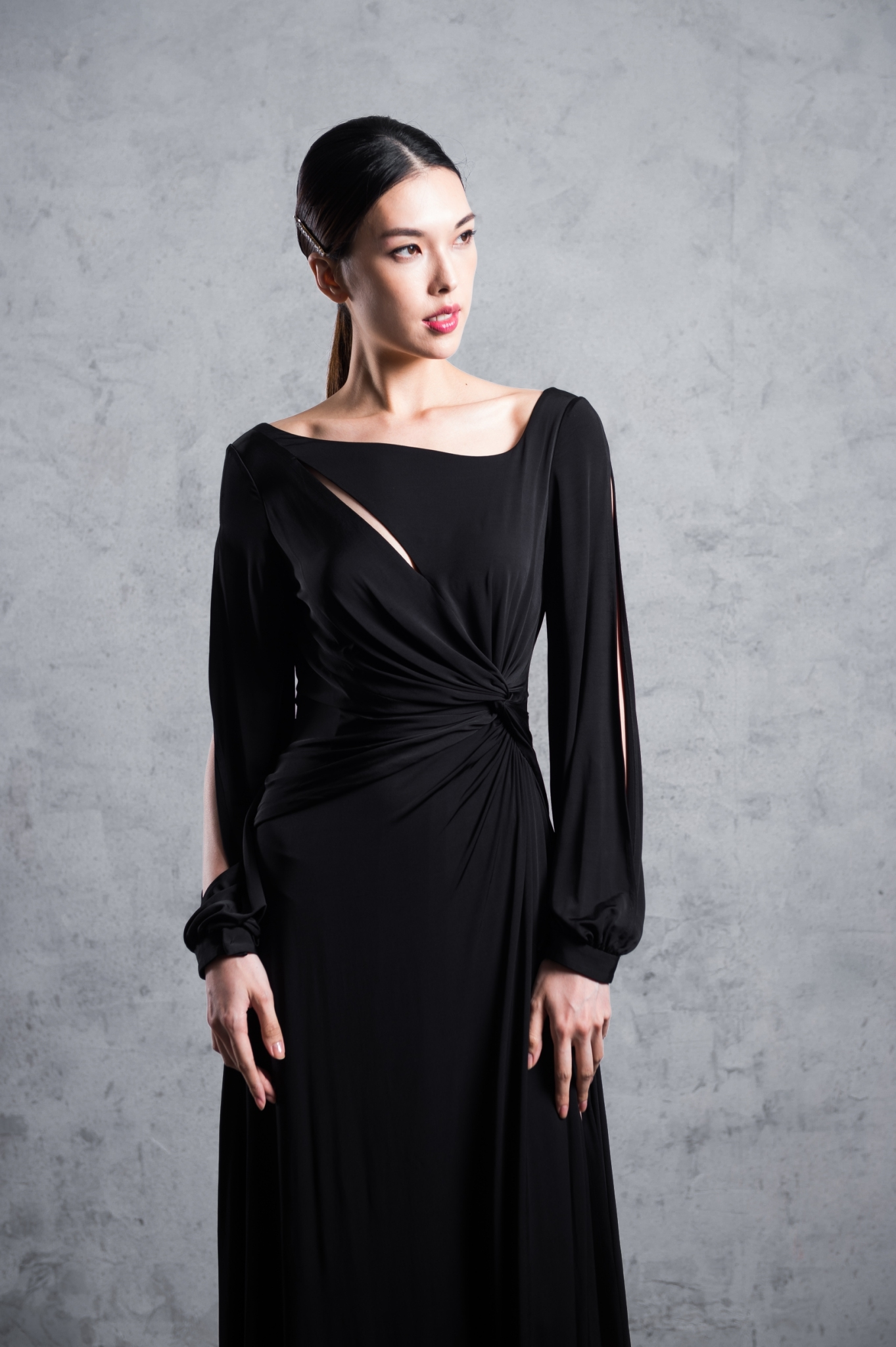 設計感扭結長袖長洋裝