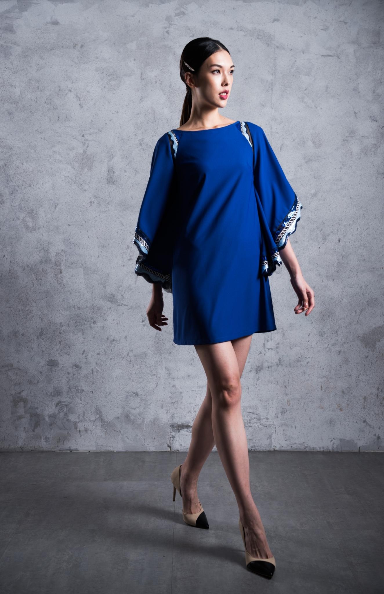 蝴蝶袖寬鬆長袖短洋裝